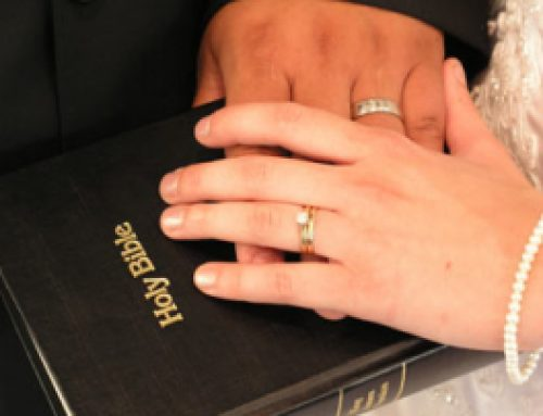 What does the Bible say about a woman who is saved but her husband is not? (United States)